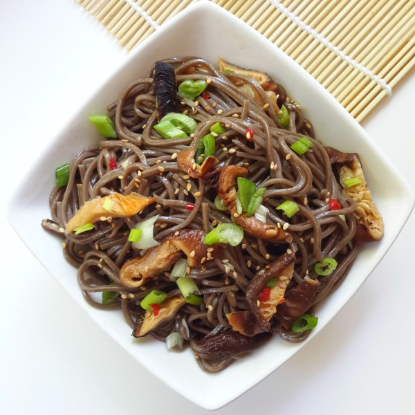 A simple and quick vegan cold noodle salad with soba noodles and shiitake mushrooms in a light dressing. Great for lunch or dinner on a hot summer's day.