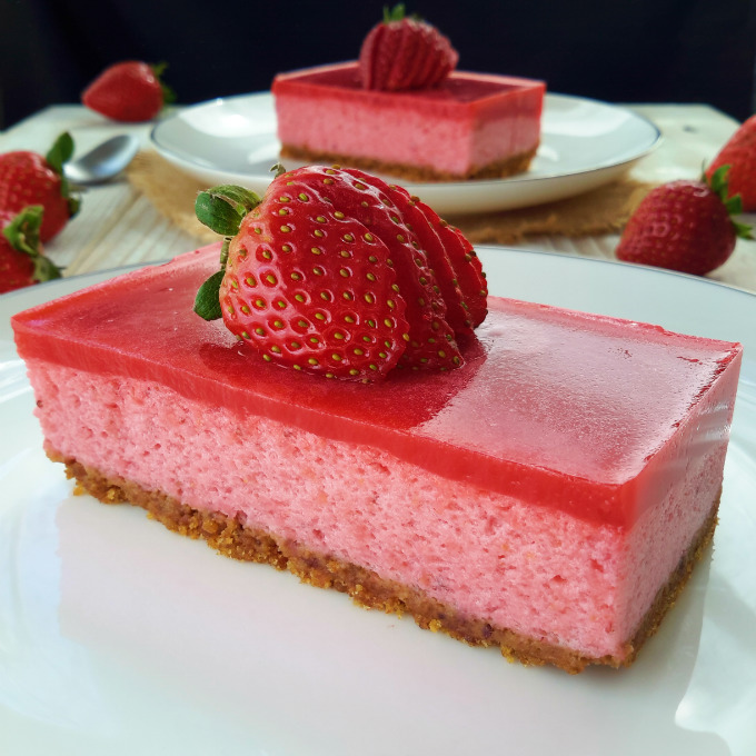 Delicious, light and airy vegan strawberry mousse cake. Totally free ...