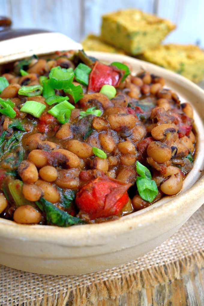 Smoky vegetarian black eyed peas and greens cilantro and citronella these smoky vegetarian black eyed peas and greens will surprise you with how much flavour forumfinder Choice Image