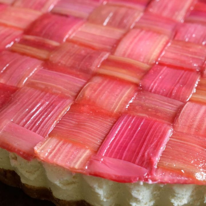 Vegan Rhubarb Cheesecake