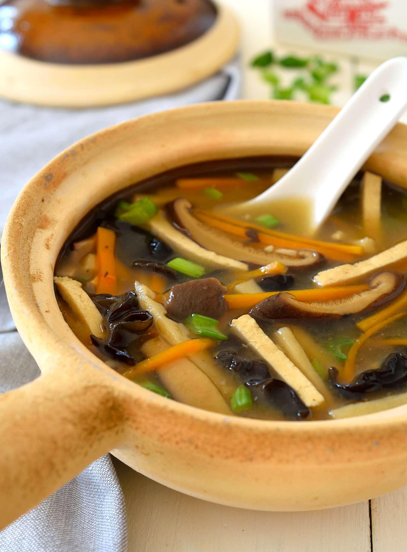 Vegan Hot and Sour Soup | Cilantro and Citronella