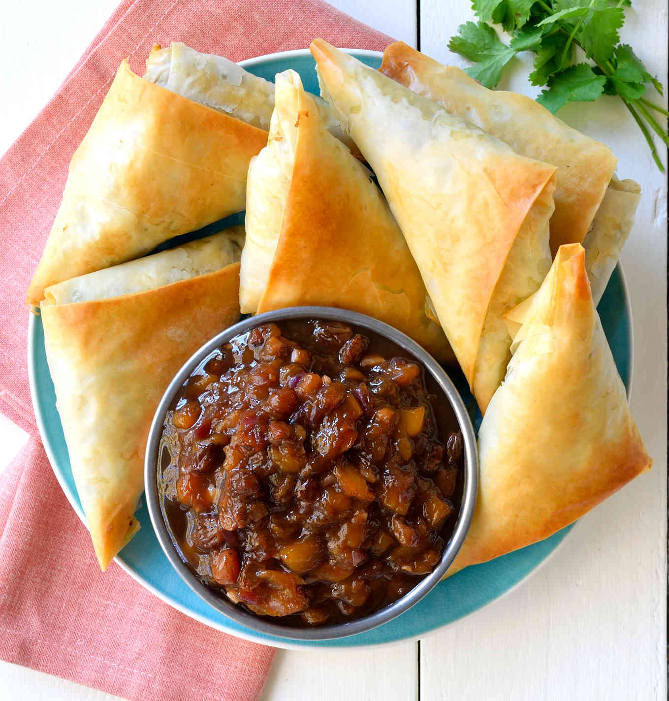 Vegan samosa recipe cilantro and citronella this vegan samosa recipe is a quick and easy version of traditional potato samosas with mango forumfinder Image collections